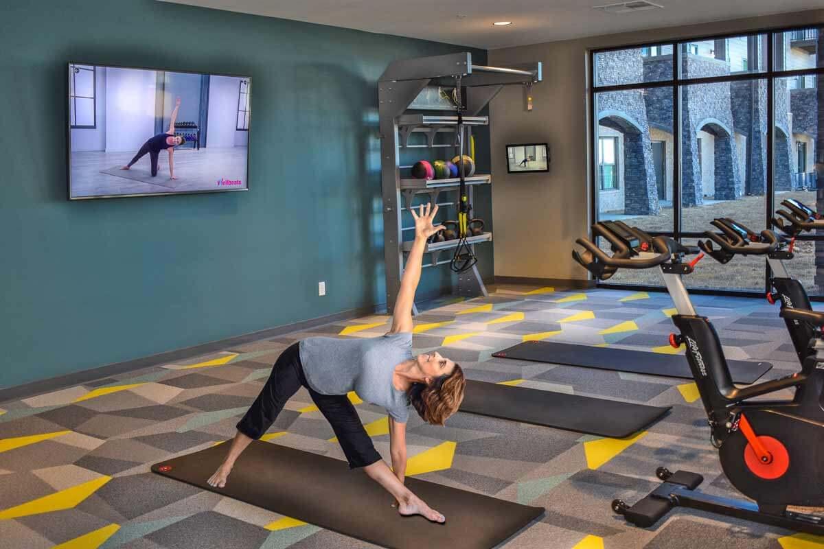 I STREET Modern Apartments - Bentonville Arkansas - Yoga and Cycling Studio